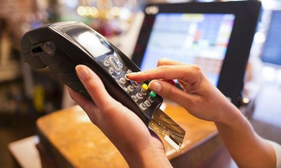 Chi phí cho một lần rút tiền mặt từ thẻ Master là bao nhiêu?