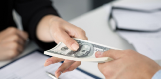 Rút tiền mặt từ thẻ tín dụng một cách dễ dàng