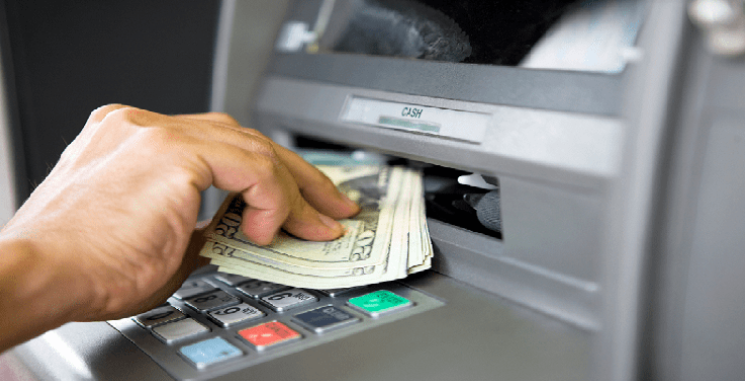 Rút tiền mặt từ thẻ tín dụng Quận 1