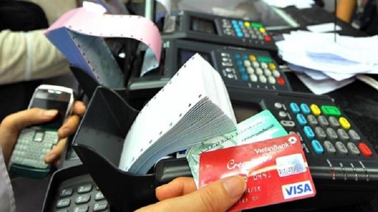 Cách Rút tiền mặt từ thẻ tín dụng với chi phí thấp nhất