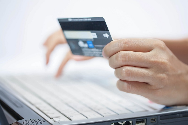 Đáo hạn thẻ tín dụng ở đâu nhanh, đơn giản và rẻ?