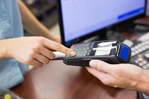 Nên sử dụng dịch vụ rút tiền mặt từ thẻ tín dụng bởi những điều này