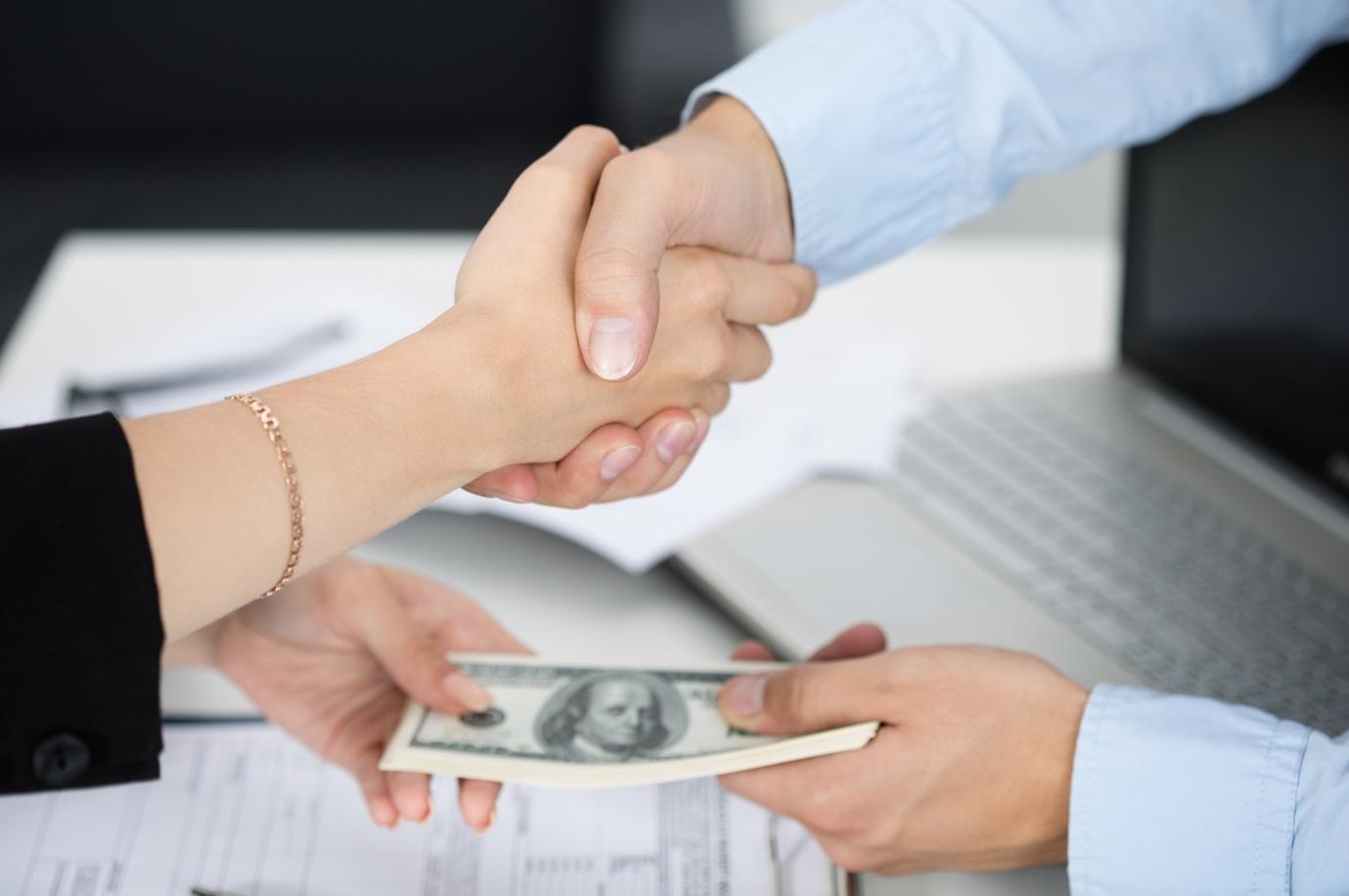 Tùy vào ngành nghề mà lãi suất vay tín chấp theo lương sẽ khác nhau