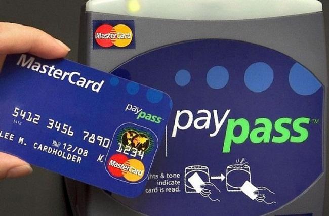 Rút tiền mặt thẻ MasterCard đơn giản tại Tài Chính Nhanh.
