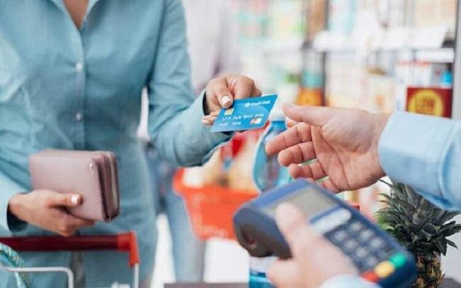 Đáo hạn thẻ Amex giúp cho khách hàng không bị tính lãi suất cao.